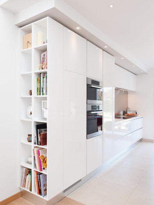 cuisine lin aire avec un placard porte affleurante photos et id es d co de cuisines. Black Bedroom Furniture Sets. Home Design Ideas