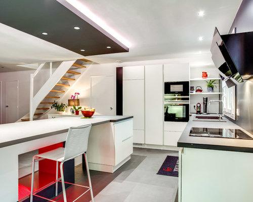 Foto e Idee per Cucine - cucina con paraspruzzi grigio e pavimento ...