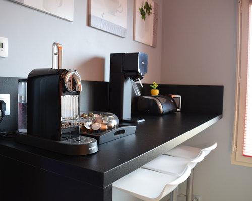 cuisine fa ade grise laqu mat et plan de travail stratifi pierre noir. Black Bedroom Furniture Sets. Home Design Ideas