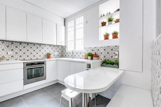 Contemporary Kitchen by As de Carreaux