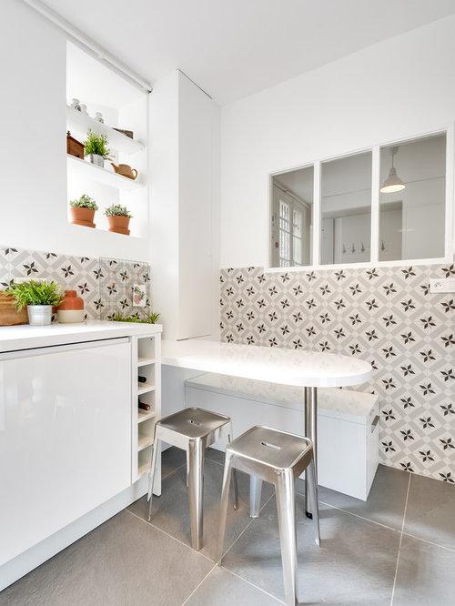 Ausgezeichnet Küchendesign Weißen Schränke Schwarz Platten Ideen ...