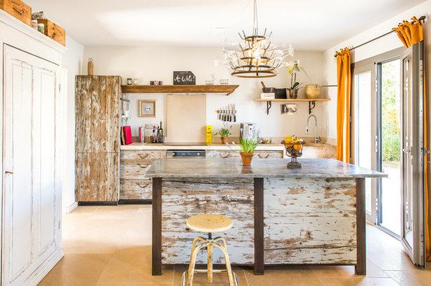 altholz naturstein und shabby feeling traumk che in der provence. Black Bedroom Furniture Sets. Home Design Ideas