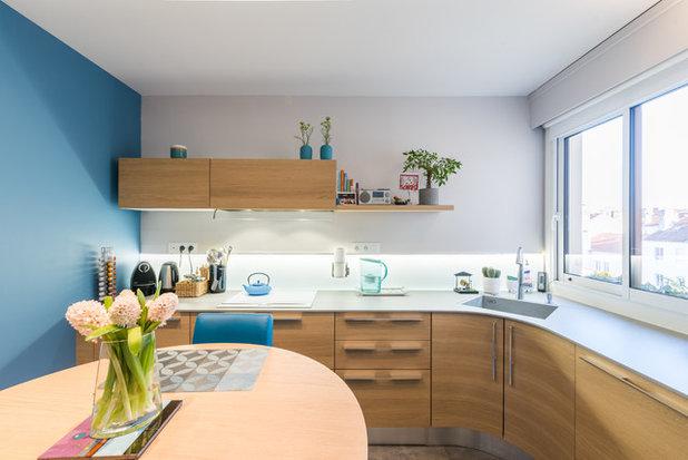 Современный Кухня by Les cuisines d'Arno