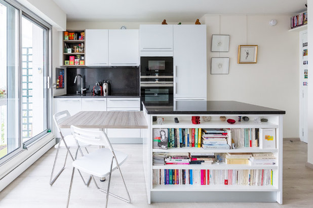 Contemporary Kitchen by Agence Manuel MARTINEZ