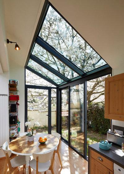 Contemporain Cuisine by OMBRE & LUMIERE Atelier d'Architecture