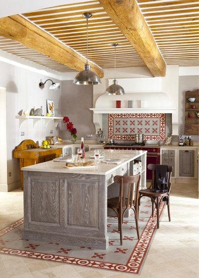 Middelhavsstil Køkken by Ateliers Poivre d'Ane
