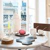 Visite Privée : Une chambre de bonne transformée en un studio astucieux