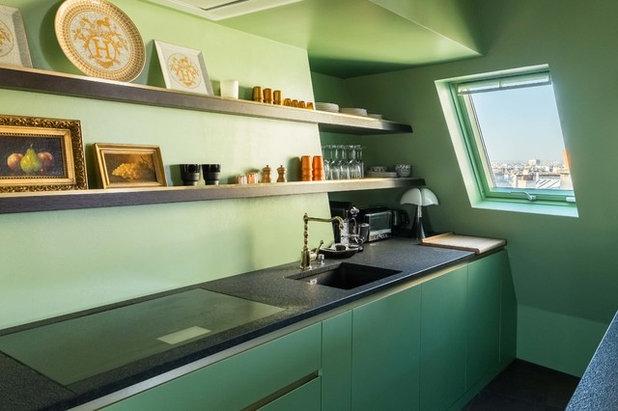 9 solutions pour am nager une petite cuisine sous les toits. Black Bedroom Furniture Sets. Home Design Ideas