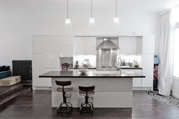photos d 39 un loft familial parisien la fois sobre et l gant. Black Bedroom Furniture Sets. Home Design Ideas
