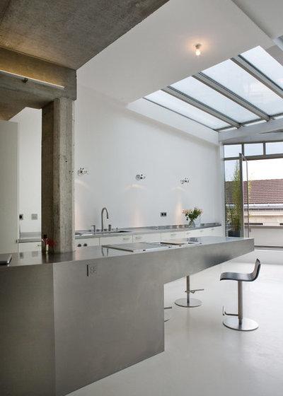Industriel Cuisine by Olivier Chabaud Architecte - Paris & Avignon