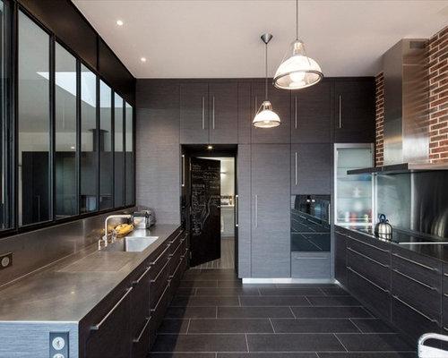 Anthracite kitchen design ideas renovations photos - Cuisine noire et grise ...