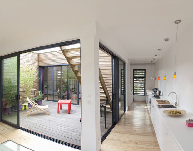 Contemporain Cuisine by POLY RYTHMIC ARCHITECTURE
