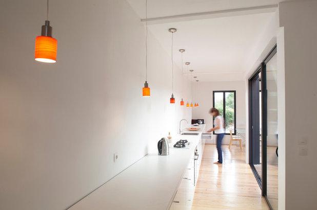 guida houzz come illuminare il piano lavoro della tua cucina. Black Bedroom Furniture Sets. Home Design Ideas