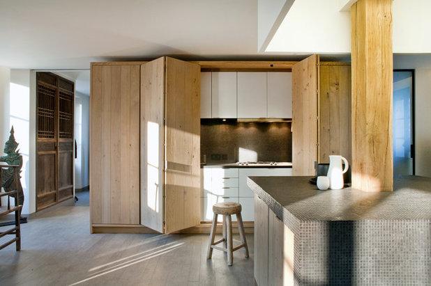 Rustic Kitchen by Olivier Chabaud Architecte - Paris & Avignon