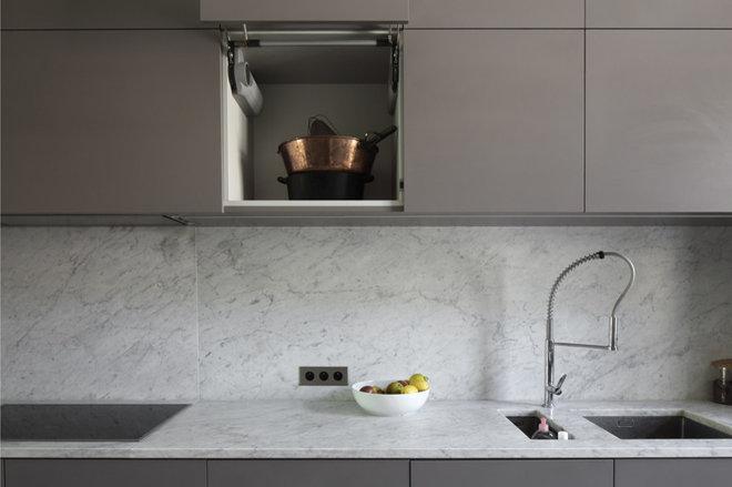 Moderne Cuisine by Daphné Serrado Architecte d'intérieur