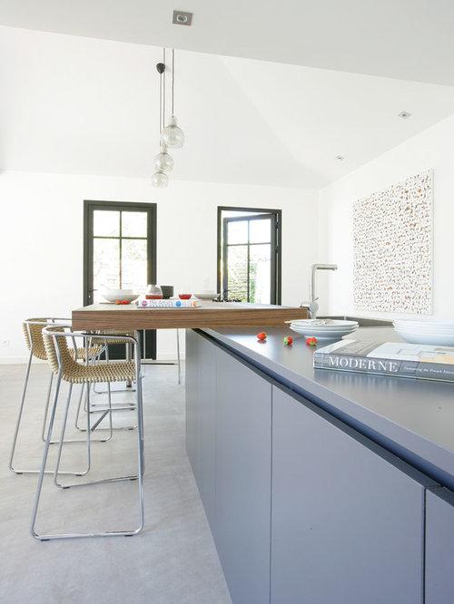 Beach Style Clermont-Ferrand Kitchen Design Ideas, Renovations & Photos