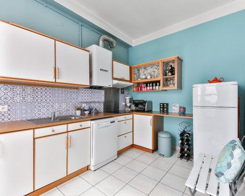 k chen mit k chenr ckwand aus zementfliesen und arbeitsplatte aus holz ideen bilder. Black Bedroom Furniture Sets. Home Design Ideas