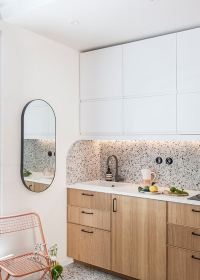 Modern Kitchen by AGENCE MARN DÉCO