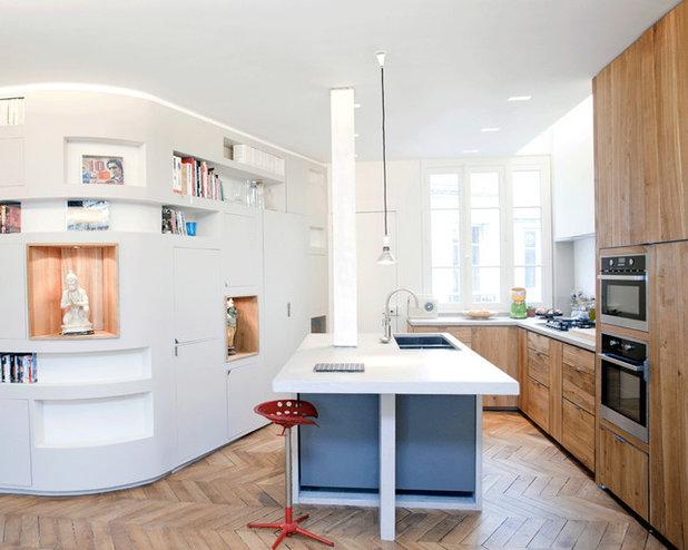 Современный Кухня by Agence Demont Reynaud /PPil