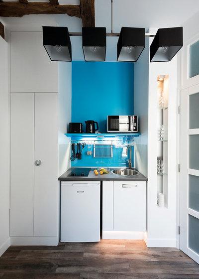 kleine zimmerrenovierung kuche blau design, kleine küchen im flur: 5 clevere einbau-lösungen, Innenarchitektur