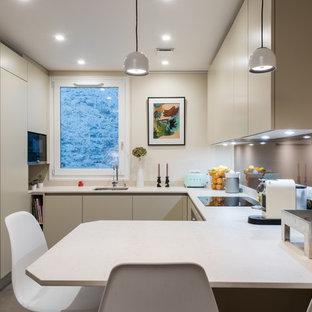 Petite cuisine GD Cucine comme une niche dans le salon