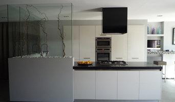 ristrutturazione e progettazione cucine imperia. Black Bedroom Furniture Sets. Home Design Ideas