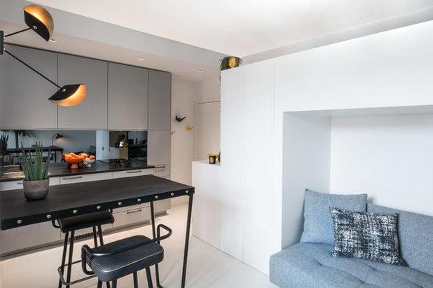 Mini Apartment In Paris Geschlafen Wird Auf Dem Einbauschrank