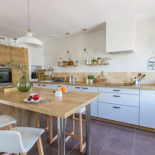 Large Farmhouse Eat In Kitchen Designs   Large Country L Shaped Ceramic  Floor And