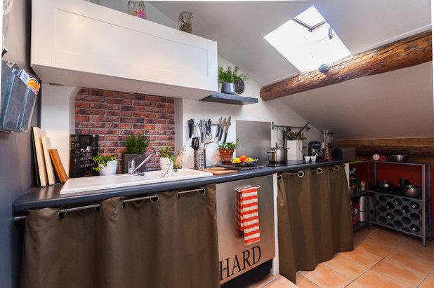 22 grandes astuces gain de place pour optimiser une petite cuisine - Cuisine fonctionnelle petit espace ...