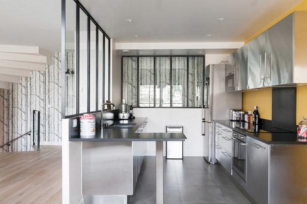 5 idee per separare la cucina dal living con una sola vetrata for Idee cucina living