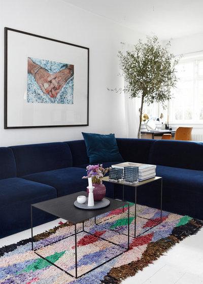 Modern Living Room by Mia Mortensen Photography