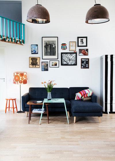 Scandinavian Living Room by Fotograf Camilla Stephan