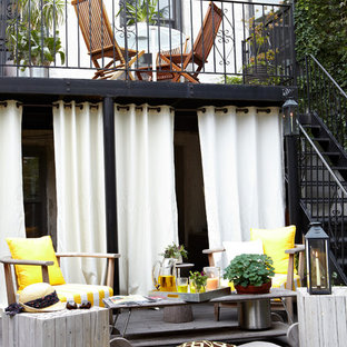 Inspiration for a contemporary deck remodel in New York