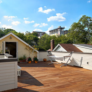 Inspiration for a scandinavian rooftop deck remodel in Nashville with no cover