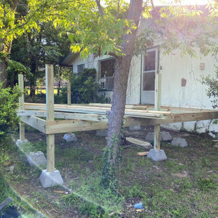 Inspiration for a timeless deck remodel in Dallas