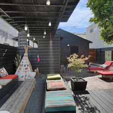 Beach Style Deck by Jeanette Nuqui HOM Sotheby's International RE