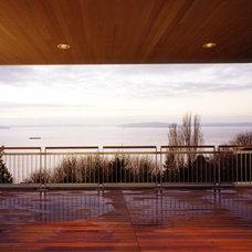 Modern Deck by BAAN design