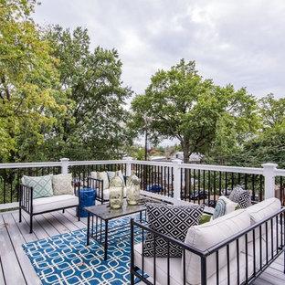 Immagine di una terrazza tradizionale nel cortile laterale con nessuna copertura