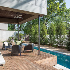 Contemporary Deck by TaC studios, architects