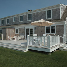 Traditional Deck by Donovan Building Corporation
