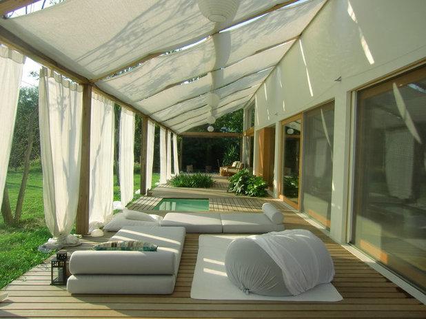 Modern Terrace by Tollot&C LLC.
