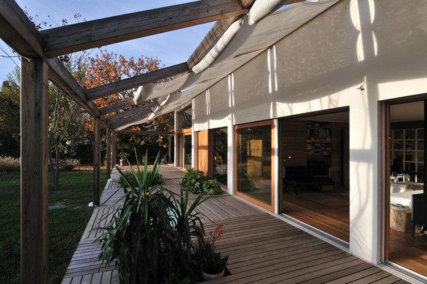 Modern Deck by Tollot&C LLC.