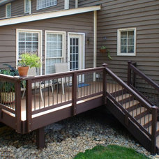 Traditional Deck by AAA Remodeling, LLC