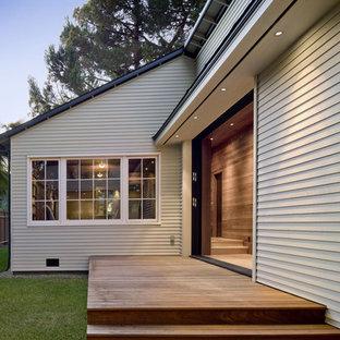 Design ideas for a contemporary courtyard deck in San Francisco.