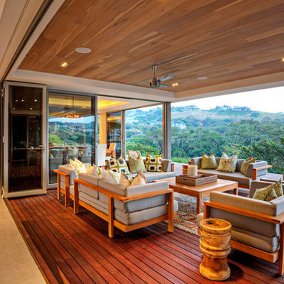 Example of a trendy deck design in Other