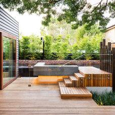 Contemporary Deck by C.O.S Design