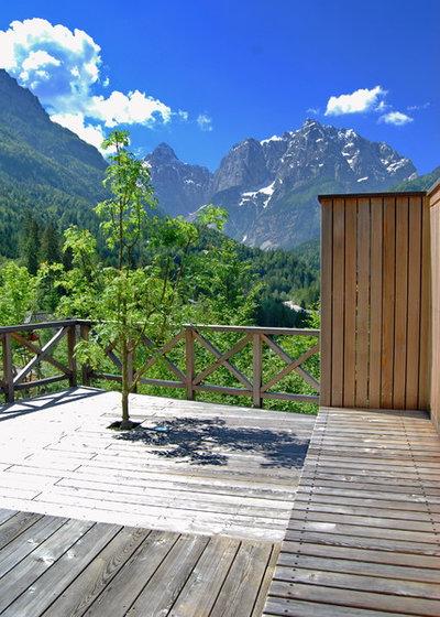 Montagne Terrasse en Bois by Landscape d.o.o. Slovenia