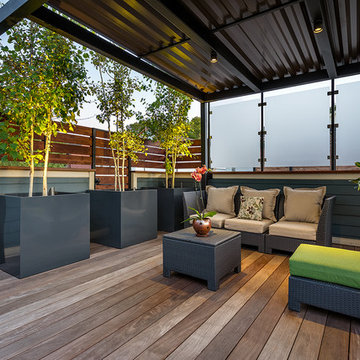 Andersonville Flexible Deck and Garage Space