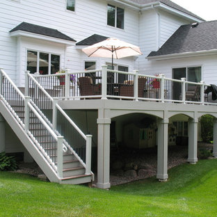 Example of a classic deck design in Minneapolis
