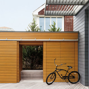 Inspiration for a scandinavian backyard deck remodel in Amsterdam with no cover